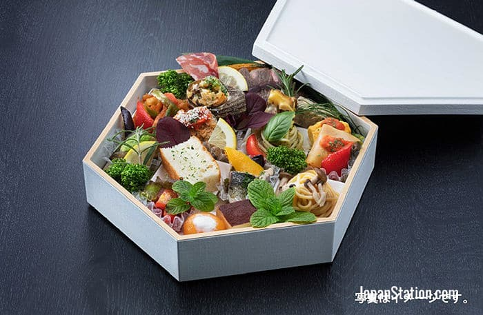 A typical lunch box to be served on the new train