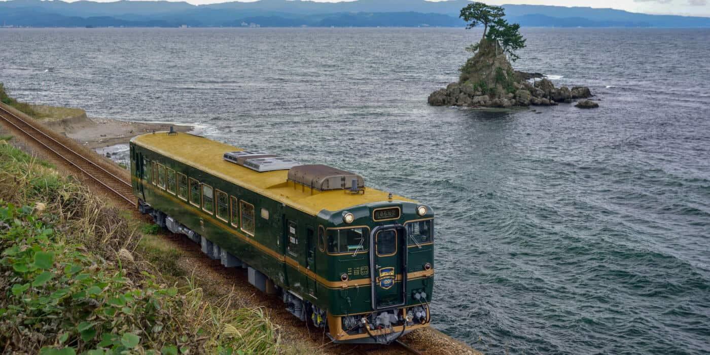 The Berumonta runs along the scenic Toyama coastline