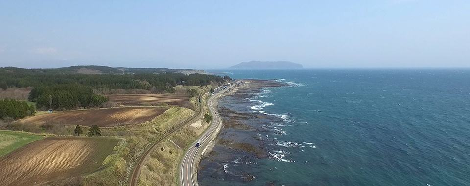 The scenic coastline on the Donan Isaribi Line